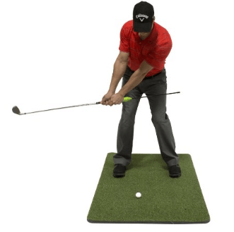 A golfer trying out Callaway Chip Stix
